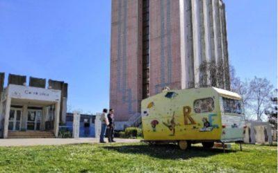 Une caravane pour filmer les souvenirs du quartier